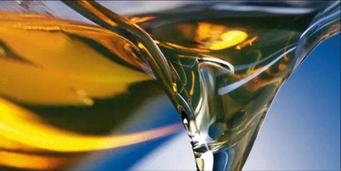 日常工作中,如何选择液压油才算合理和经济呢?